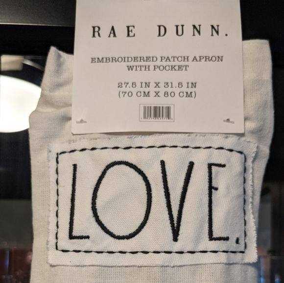"""""""Love"""" Rae Dunn Apron"""